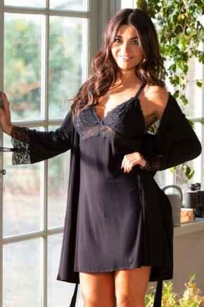 Sofa Love Lace Back Detail Wrap  - Black